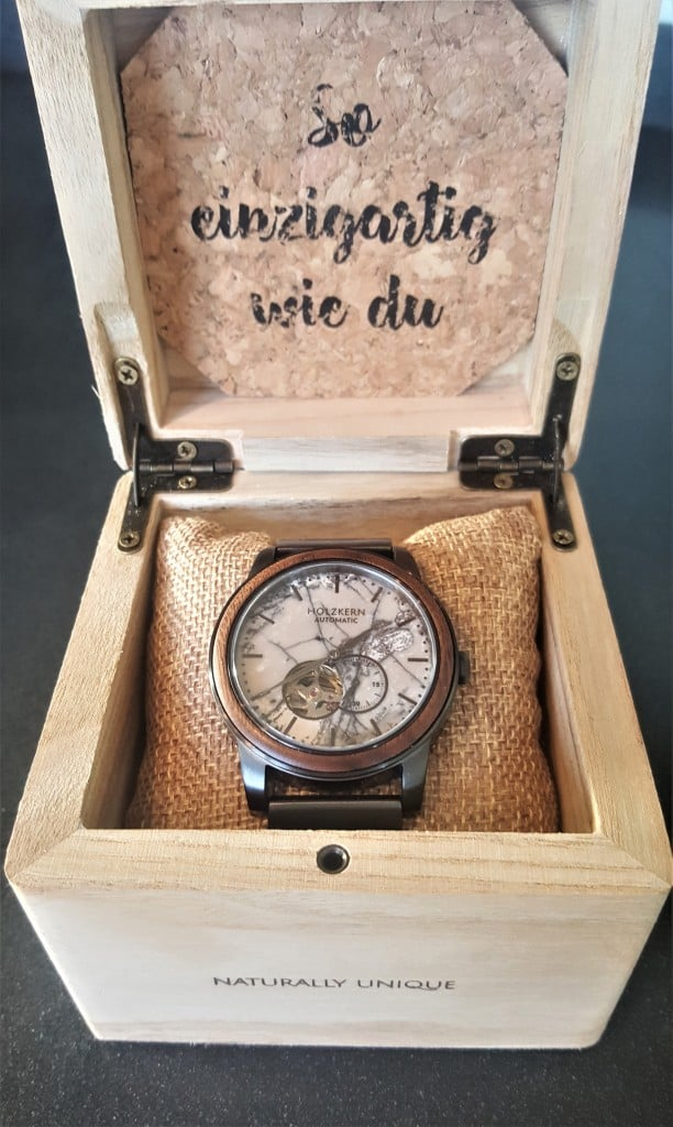 Holzkern Chicago Watch In packaging