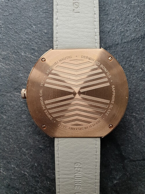 VEJRHØJ watches review caseback design