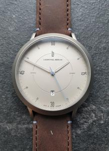 Lilienthal Berlin Watches review close up dial
